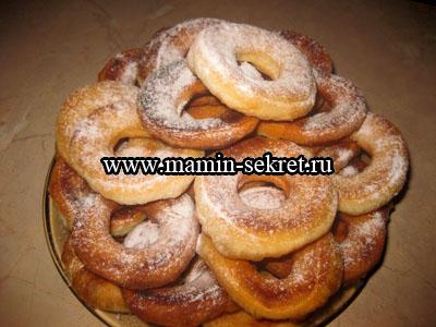 рецепт как приготовить воздушные пончики на кефире
