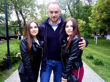 http://s7.uploads.ru/t/UsG19.jpg