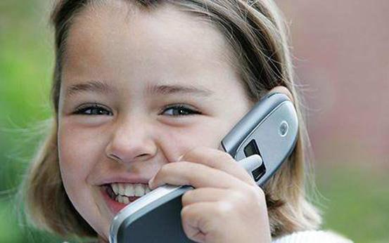 мобильный телефон опасен для детей, можно ли детям пользоваться сотовым, сотовый телефон опасен