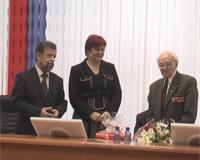 http://s7.uploads.ru/t/hlEKj.jpg